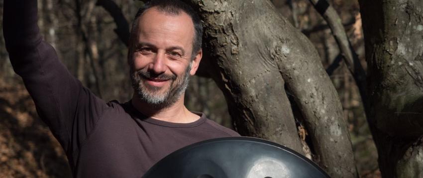 Handpan und Hang spielen mit Peter Gabis
